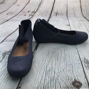 Clarks Womens Medora Nina Closed Toe Size 10 Wide